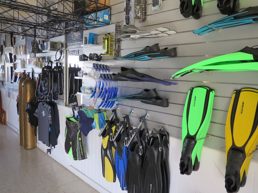 Coral Bay Divers Shop 6