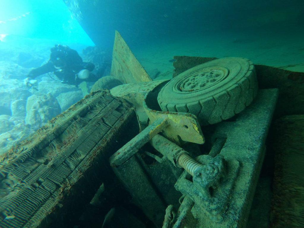 Shipwrecks of the world
